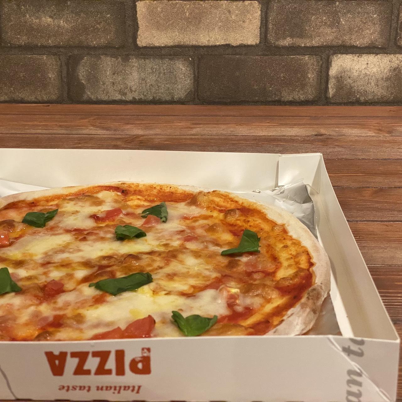 クリスピーマルゲリータピザ