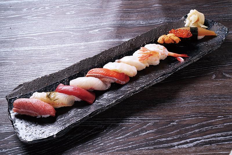 炙屋謹製ー寿司盛合せー12貫
