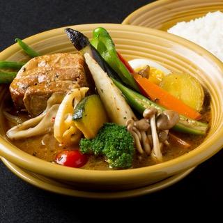 豚角煮と16種の野菜スープカレー