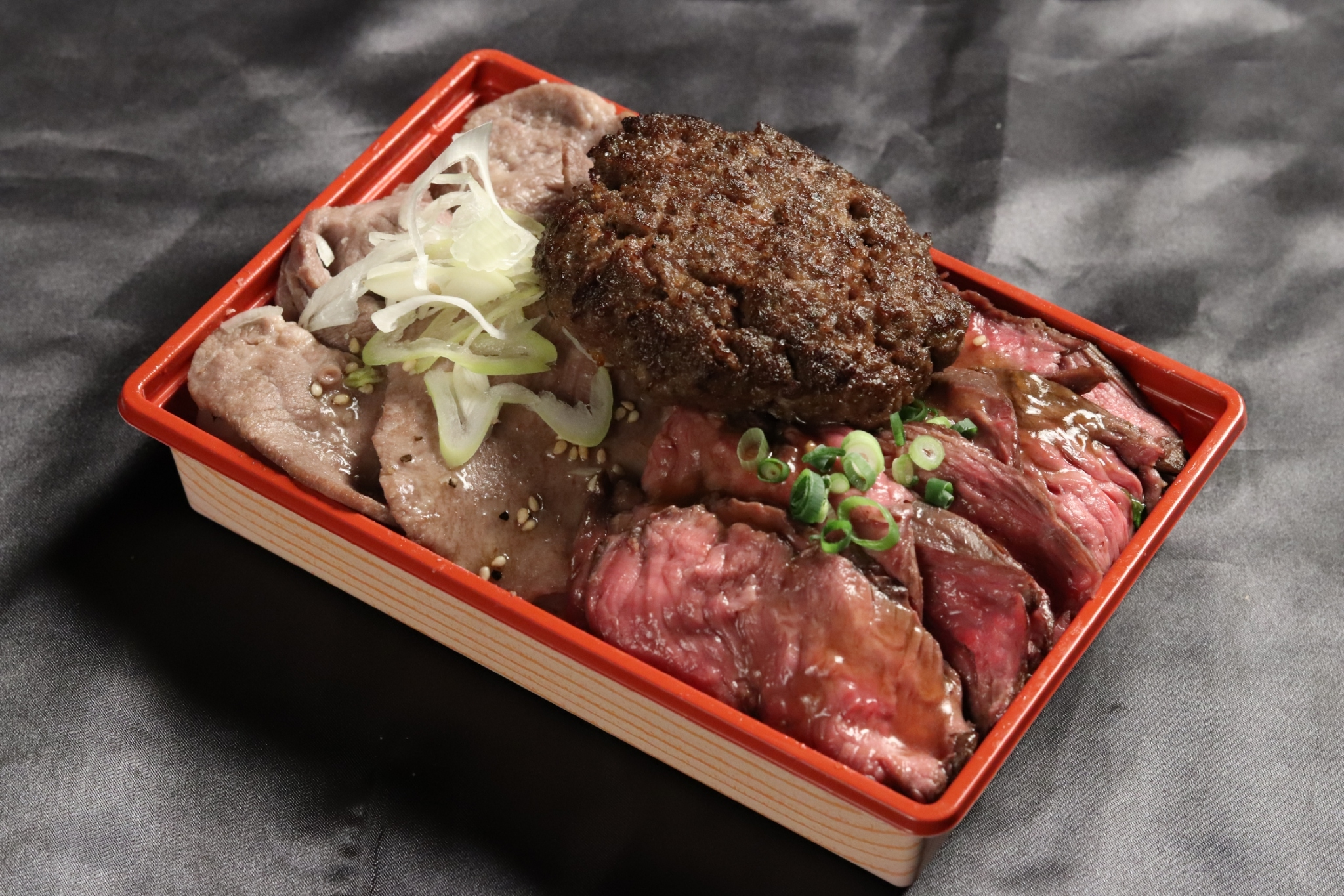 ハンバーグ&サガリステーキ&牛タン弁当