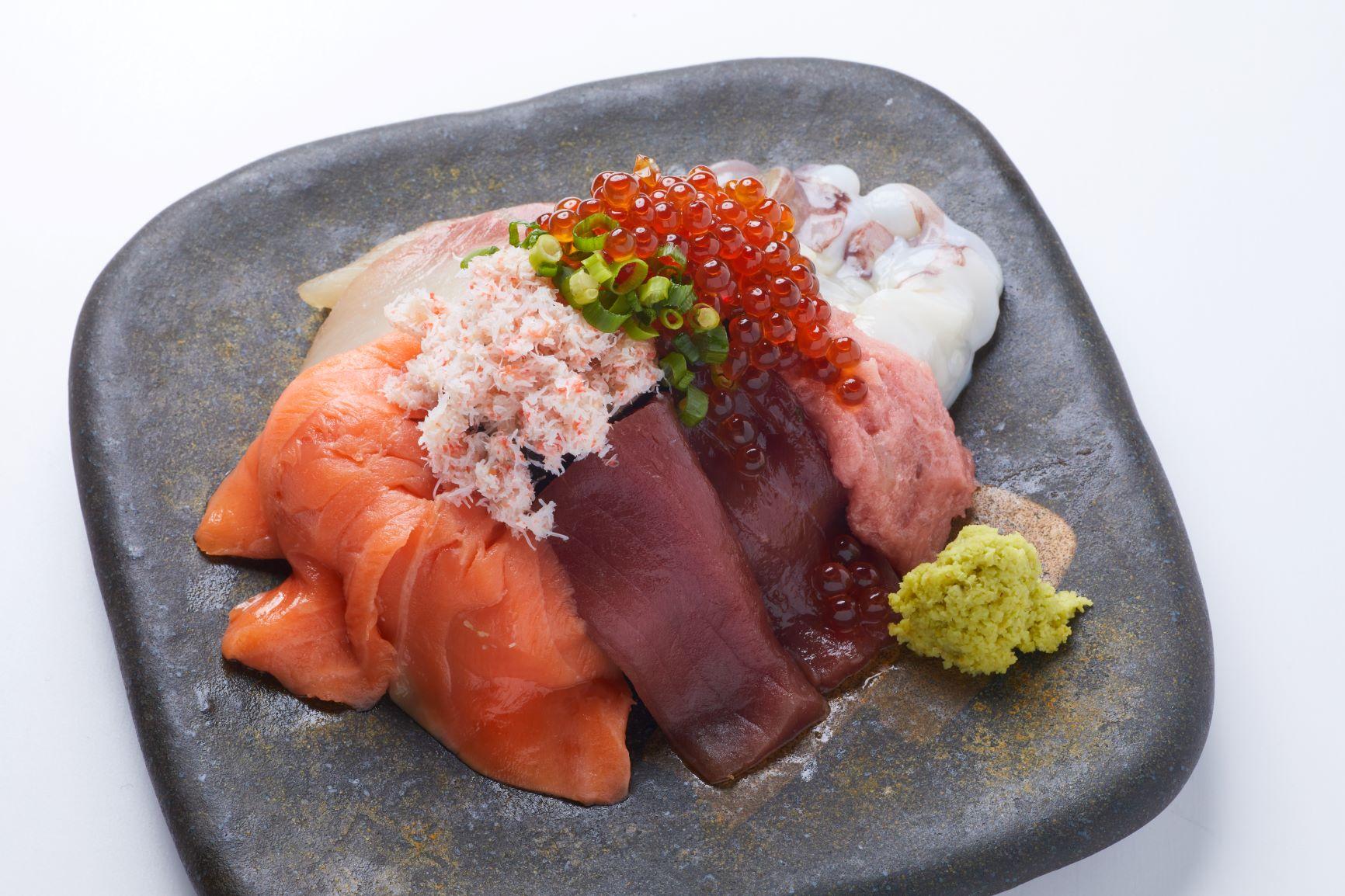 こぼれ巻き寿司(いくら増量できます)