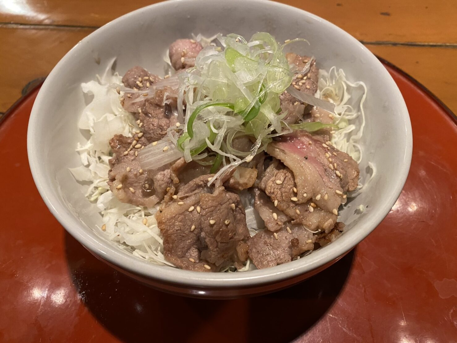 牛カルビネギ塩丼
